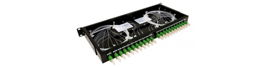 Patch panel-uri echipate complet